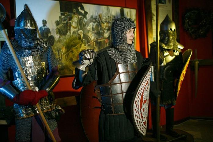 Выставка «Когда звенела сталь мечей»